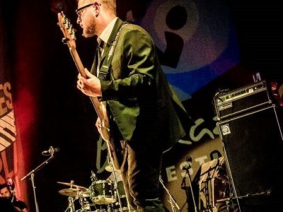 Mario Ciancarella bassista per la Carvin Jones band